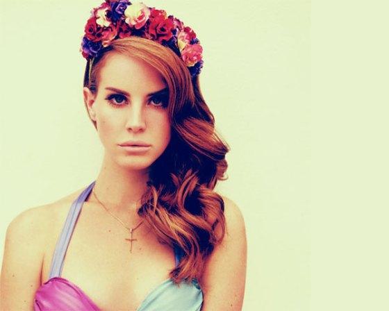 Lana del Rey  hair flower