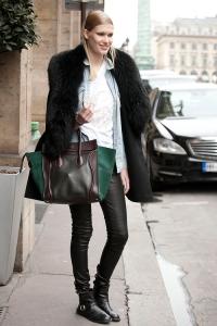 Slung coat