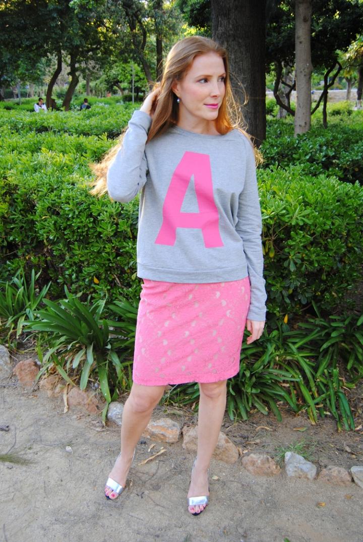 falda lápiz y suéter