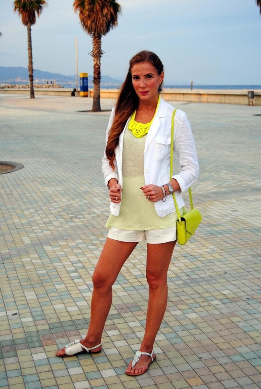 White blazer yellow shirt