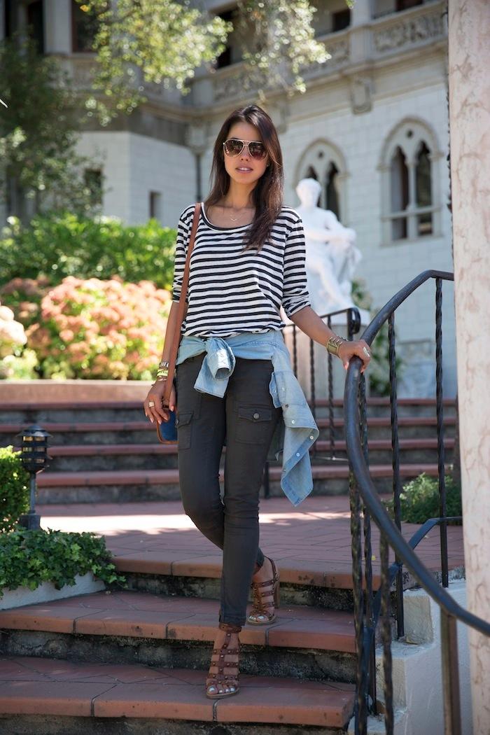 Blusa jean amarrada a la cintura