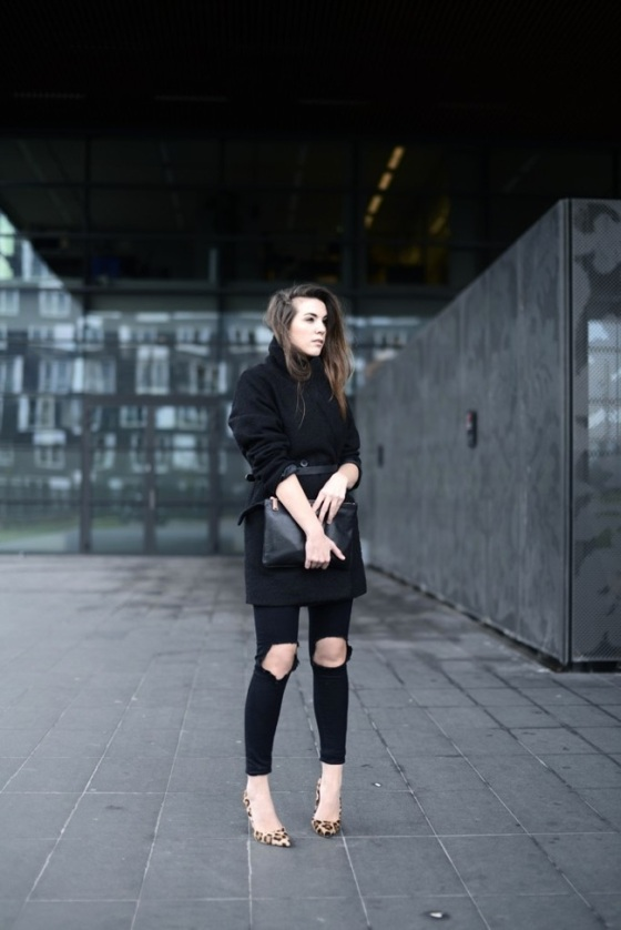 black ripped jeans look