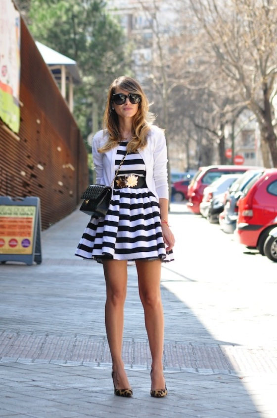 Stripes dress and leopard heels look