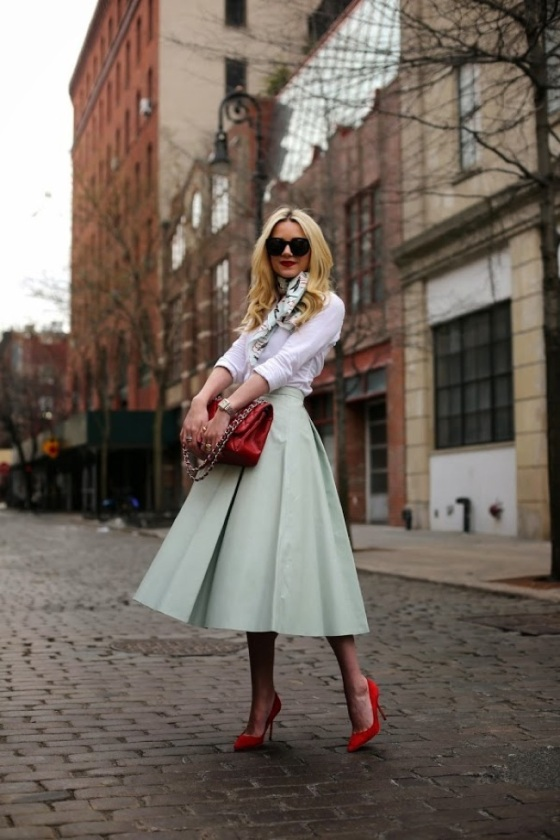 Mide pastel skirt look