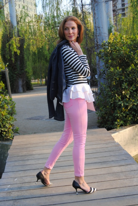 Black, white and pink look
