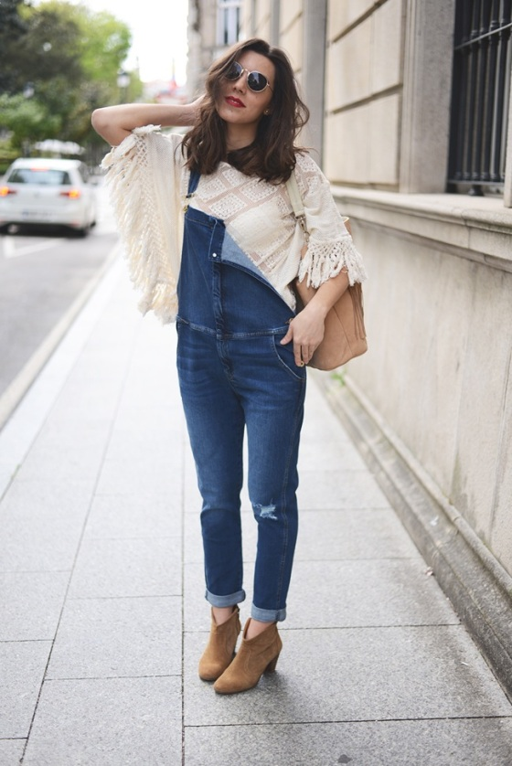 Look con peto denim