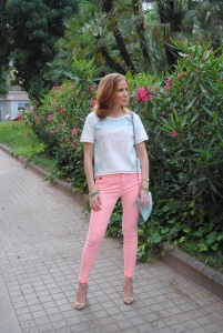 coral jeans look