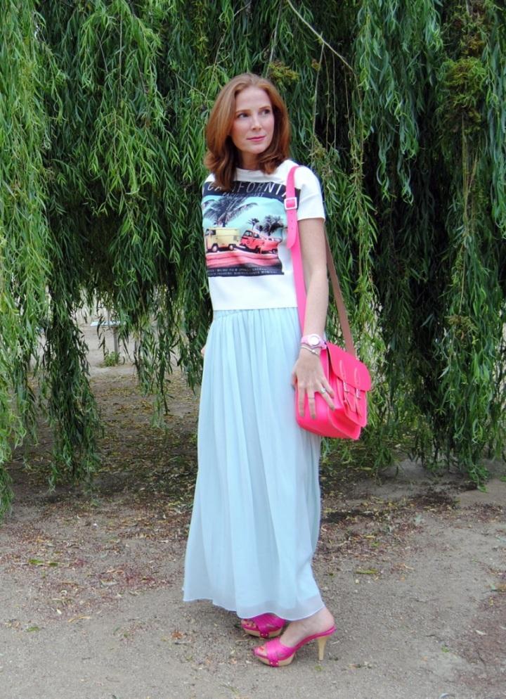 Maxi skirt look and crop top