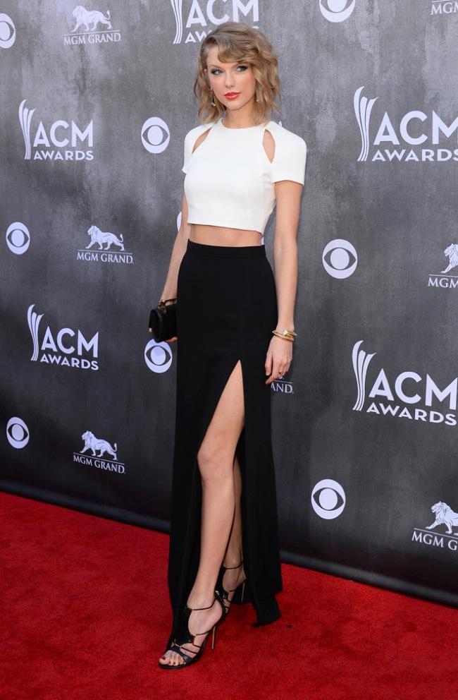 White crop top black skirt look