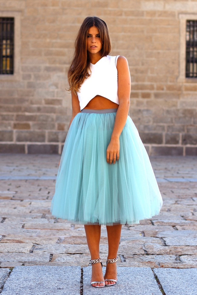 crop top and tutu skirt look