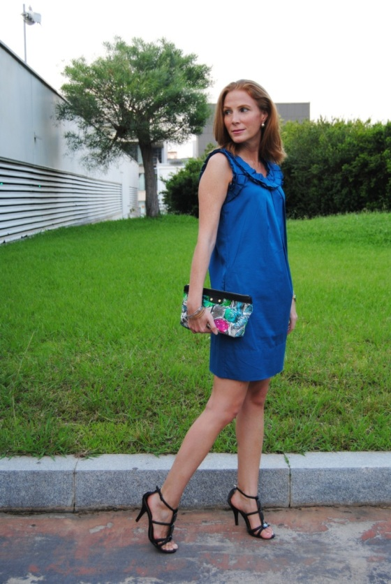 Klein blue dress look