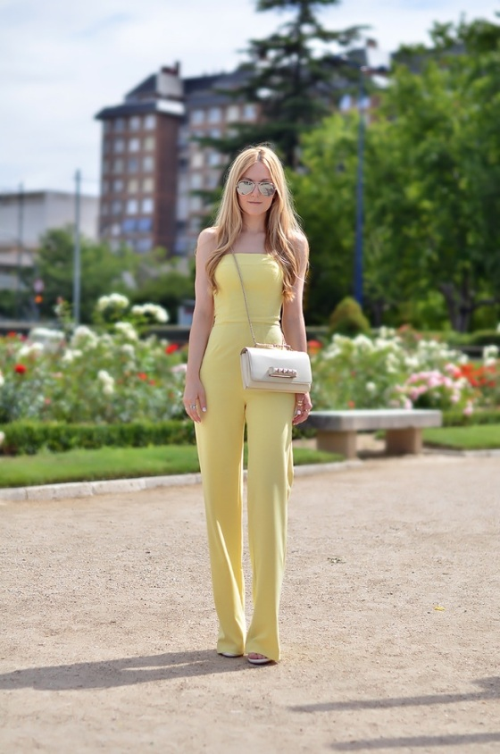 yellow jumpsuit look