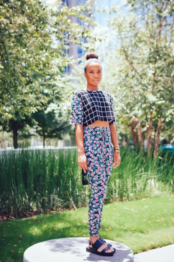 vichy and floral print look