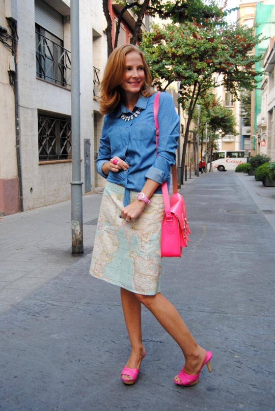 Denim shirt and pink neon look