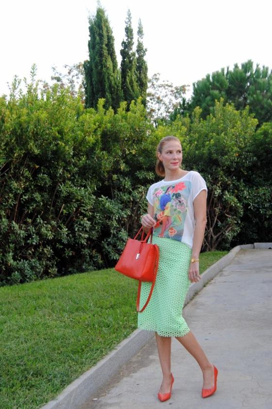 Pencil midi skirt look