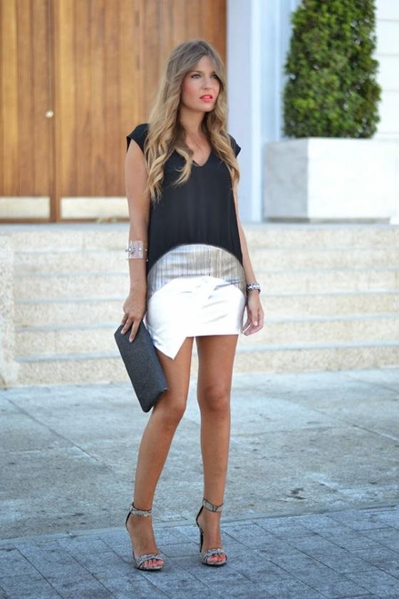 Look con falda metalizada