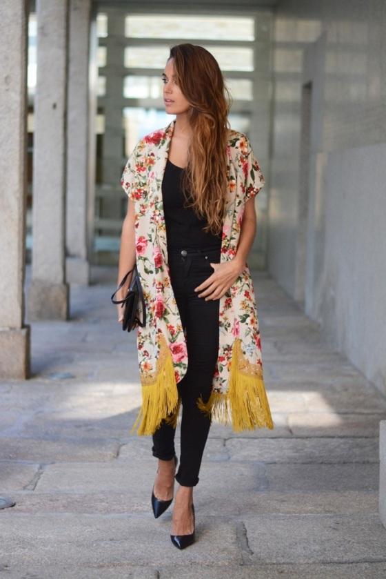 look con kimono de flecos
