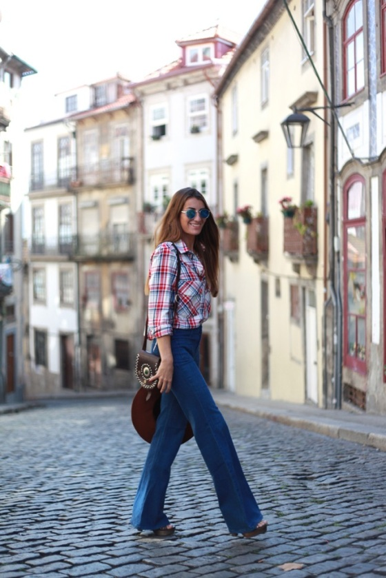 Retro flared jeans look