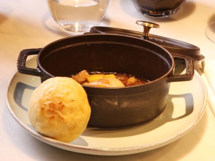 Cocotte con foie y panceta