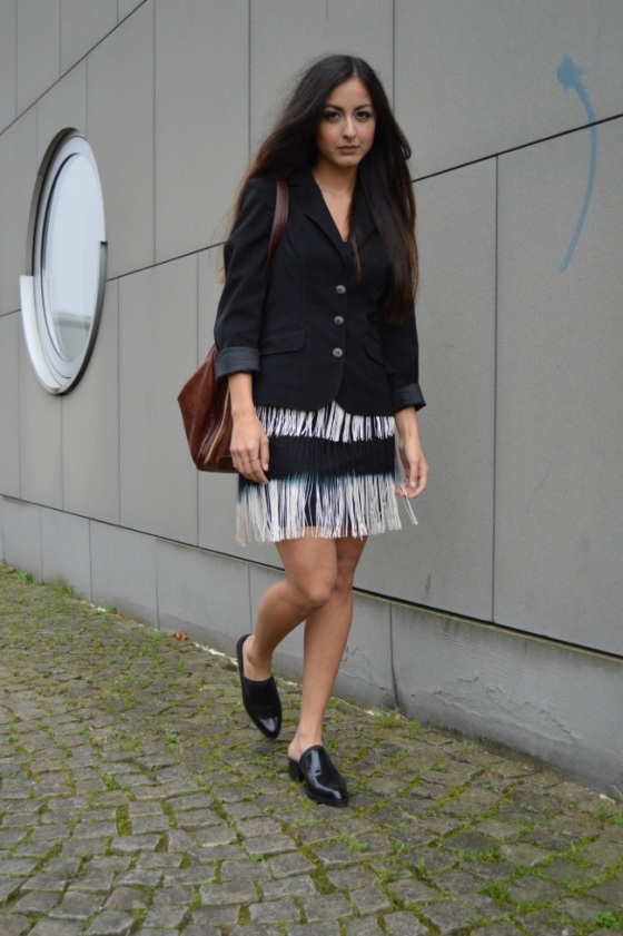 fringes mini skirt look