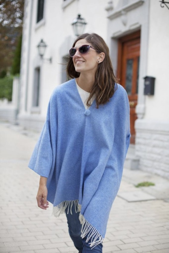 blue_poncho-poncho_trend-streetstyle-balamoda12_zps595f3ca5