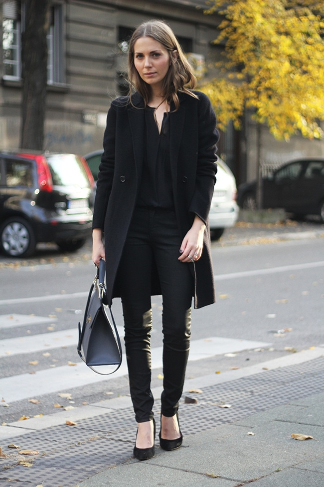 Leather pants black look