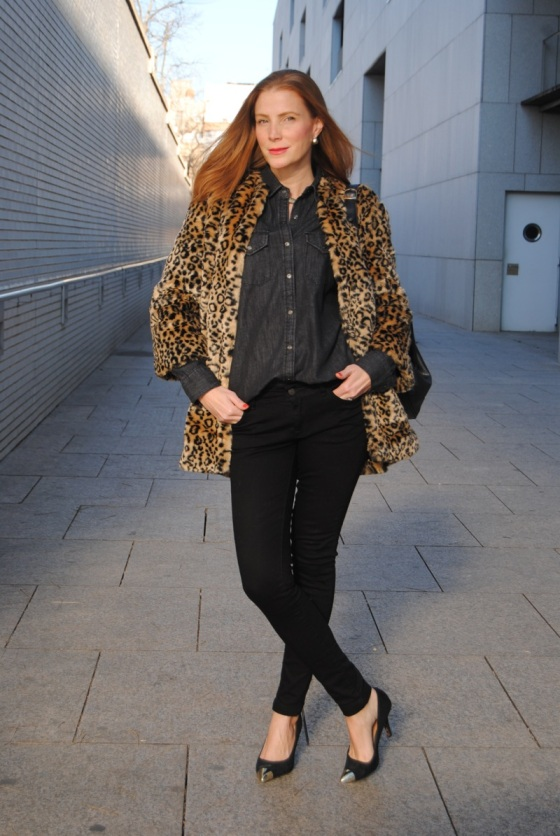 Leopard print coat look