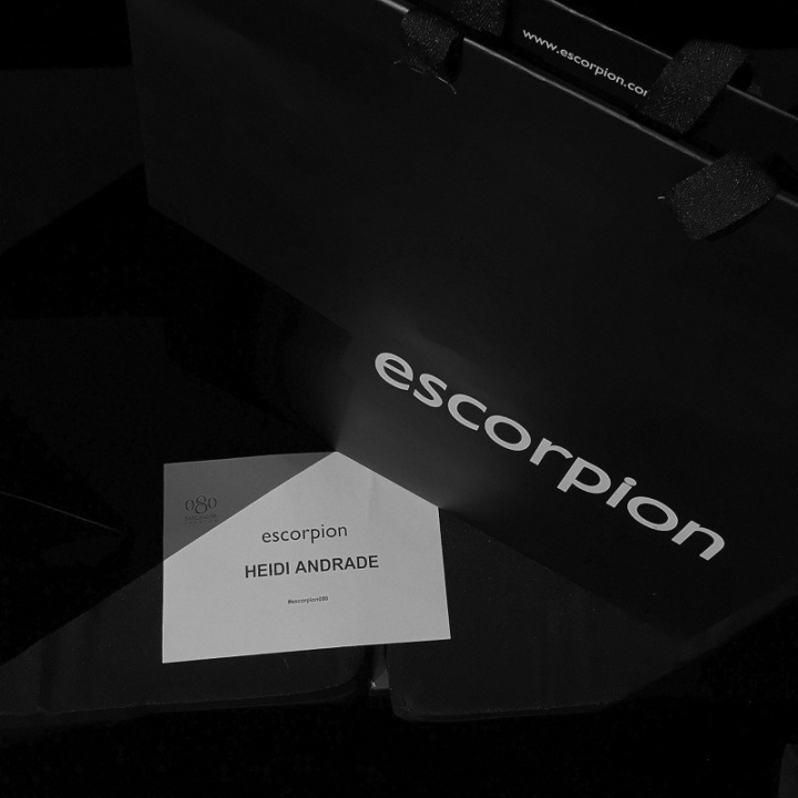 front row Escorpion