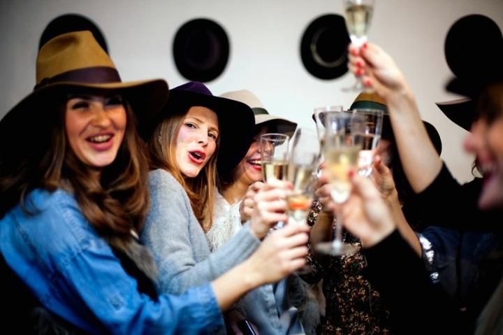 Raceu Hats Online Store party