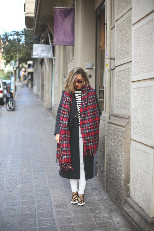 Abrigo largo y bufanda maxi