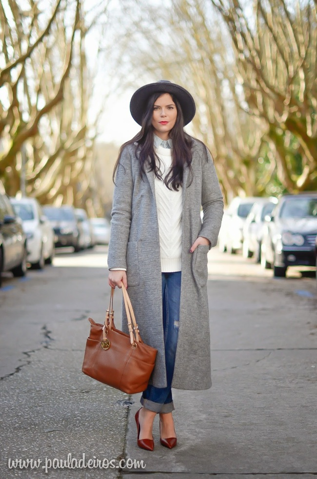 Maxi coat and jean look