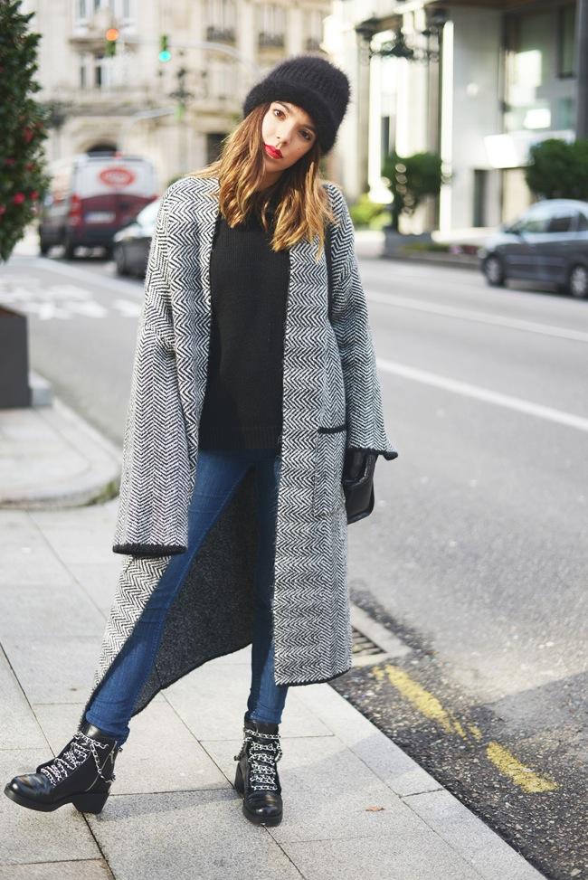 Maxi coat look