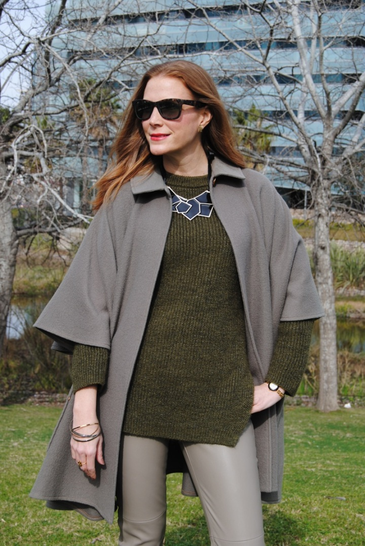 Khaki sweater look