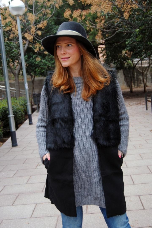 Black Sleeveless Faux Fur Vest