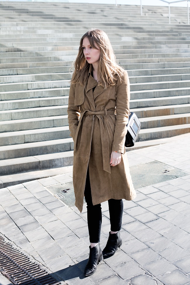 Suede trench look