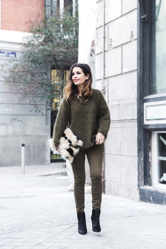 Khaki total look