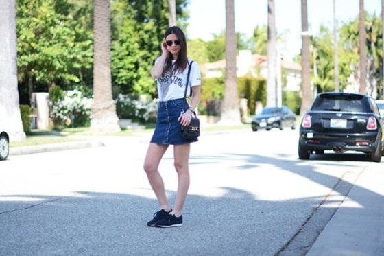 Buttom front denim skirt