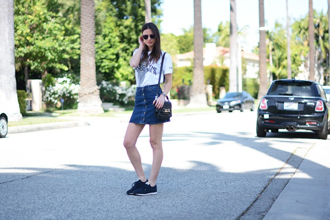 Buttom front denim skirt