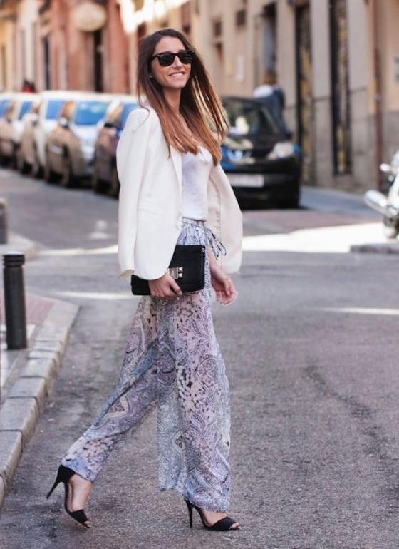 Pantalón palazzo y blazer blanco