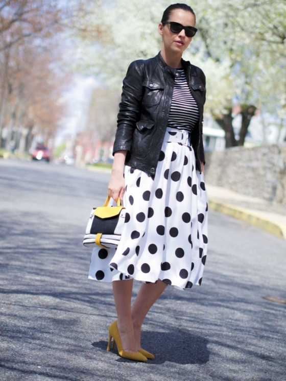 Midi polka dots skirt look