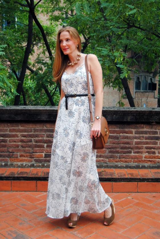 Look con vestido largo verano