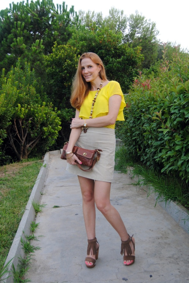 70's look with suede skirt