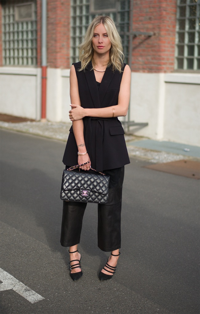 Black sleeveless coat