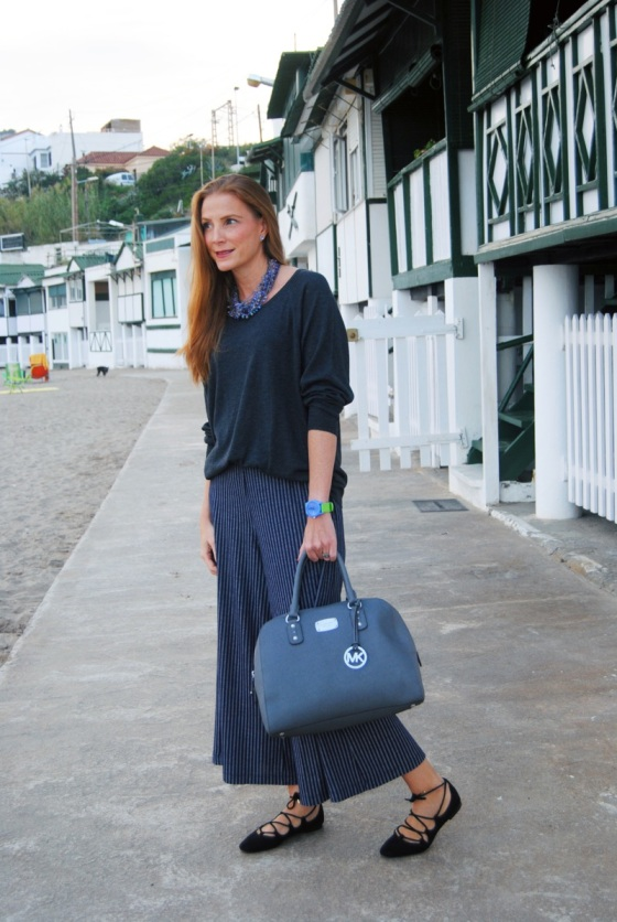 Culotte pants and oversize sweater