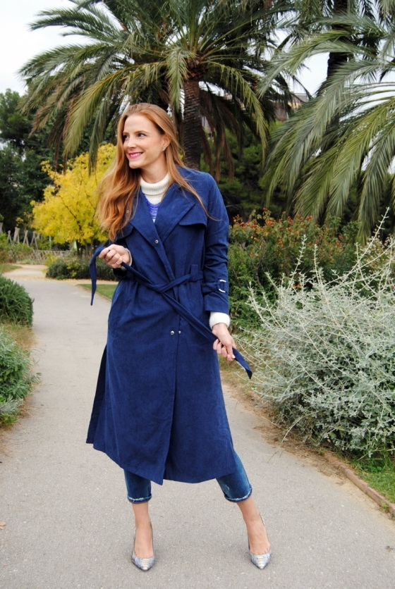 Navy Trench look