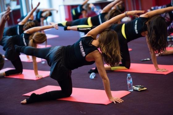 Sesión de yoga bcnmeetupmeliasky2