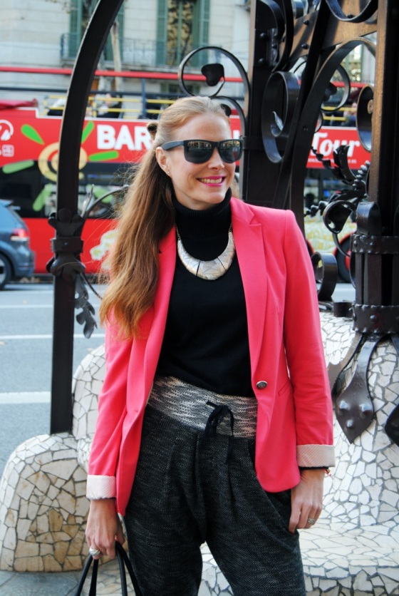 pink blazer look