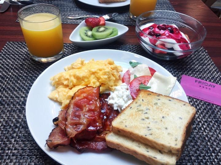 Desayuno hotel Friday en Praga