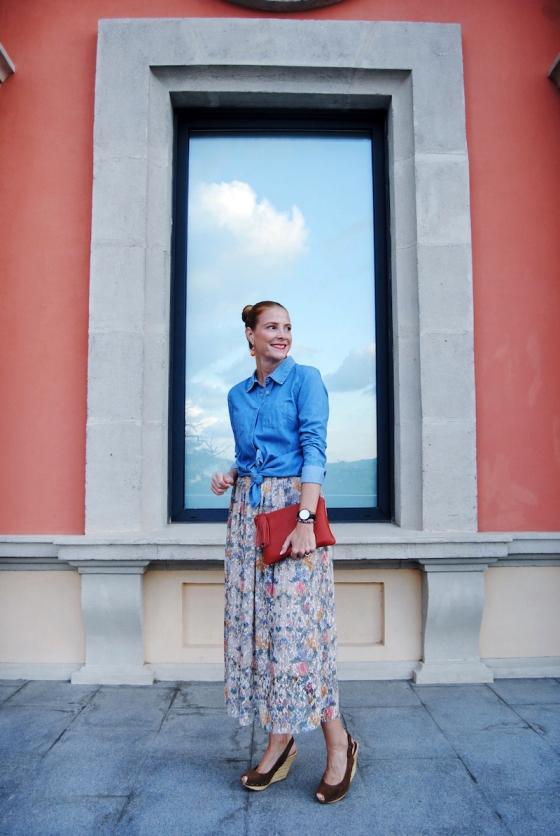 lookcon falda floral Zara