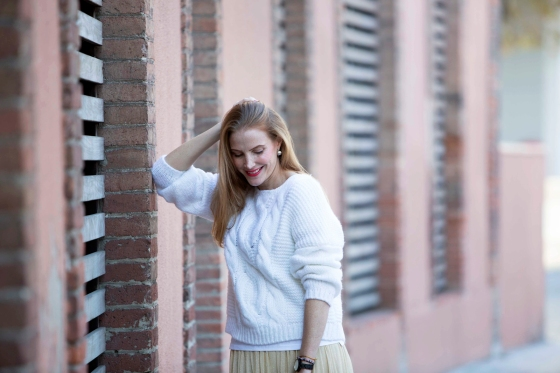 white sweater look
